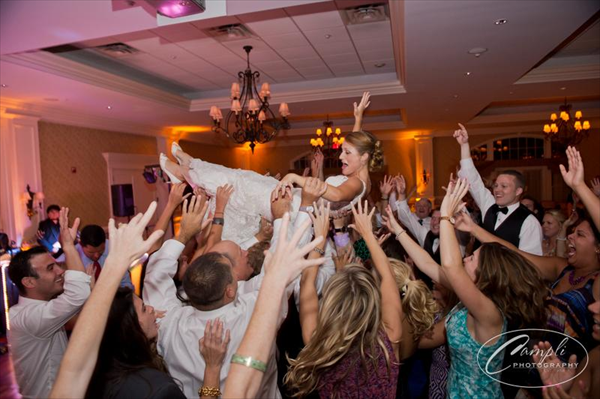 Janis Nowlan Band – Best Philadelphia Wedding Dance Party Band!